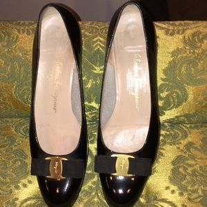 Vintage Salvatore Ferragamo flat shoes sz 10